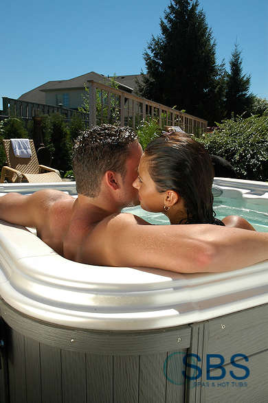 Garden Hot Tubs for Old and Young